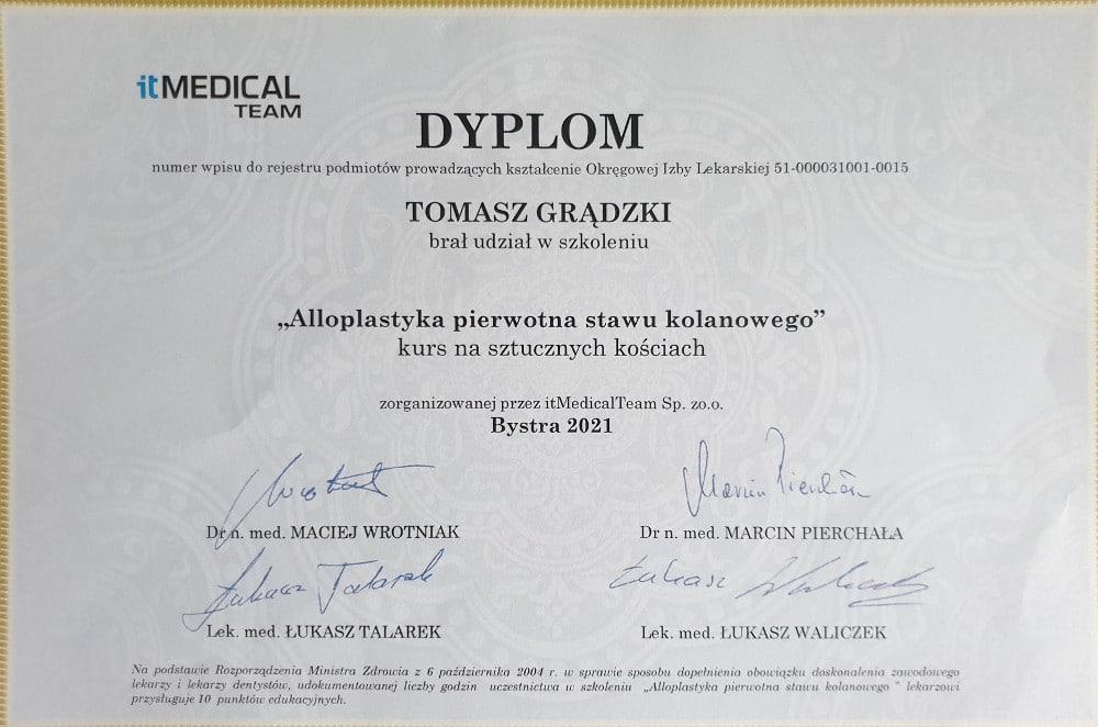 Dyplom - Tomasz Grądzki - alloplastyka stawu kolanowego na sztucznych kościach